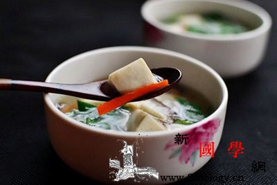 产后瘦身汤推荐:鲜香菇豆腐汤_香菇-适量-豆腐-豆腐汤-