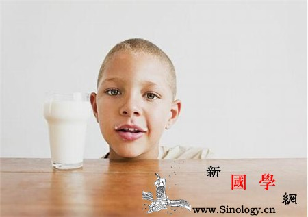 儿童睡前喝牛奶好吗_核黄素-还会-南瓜-蛋白质-