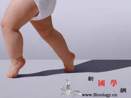 宝宝几个月会直立行走怎样教宝宝迈出人生第一_迈步-直立-迈出-个月-
