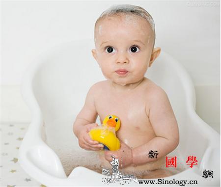 秋季婴儿要每天洗澡吗_脐带-水温-湿疹-秋季-
