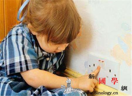 多大的孩子可以一个人在家_家长-孩子-活动- ()
