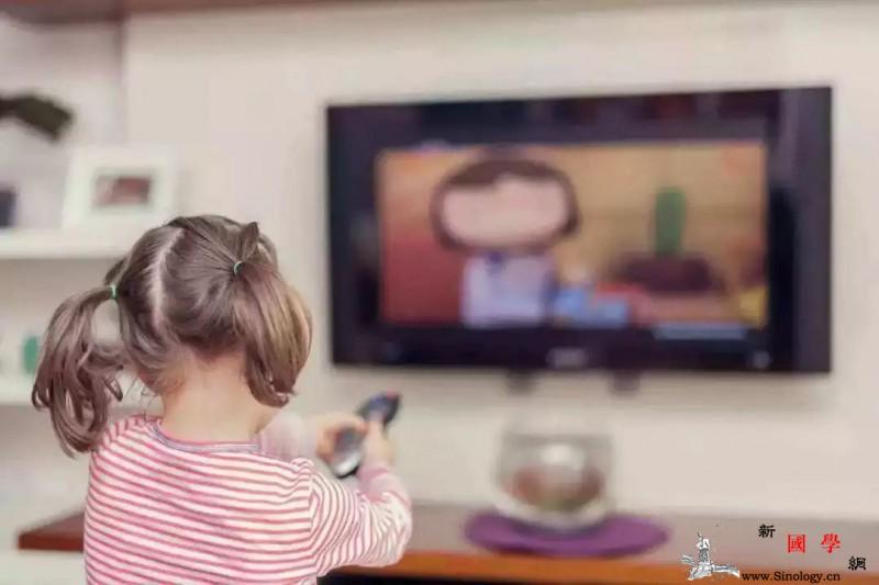 孩子迷上看电视、玩手机怎么办?_纵队-互动-看电视-海底-