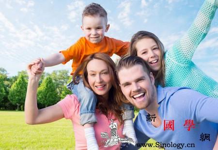 你对孩子的过度呵护却让幸福远离他们_效能-父母-孩子-幸福-