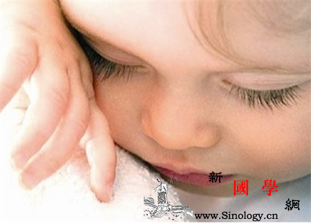 婴儿睫毛怎么变长变密?这几个妙招家长可以试试_眼睫毛-妙招-涂抹-睫毛-
