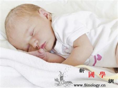 宝宝一晚上没尿正常吗宝宝一天尿几次正常_尿液-无色-出汗-饮水-