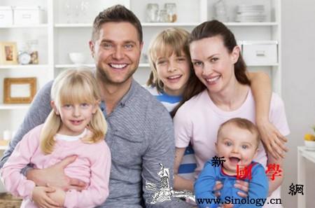 别让这些家庭阴影粉碎孩子一生的幸福_嫌弃-童年-孩子-家庭- ()