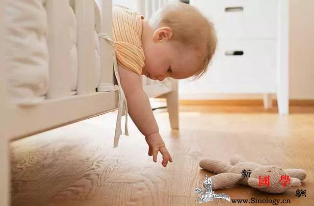 孩子为什么爱摔东西_父母-玩具-东西-孩子-